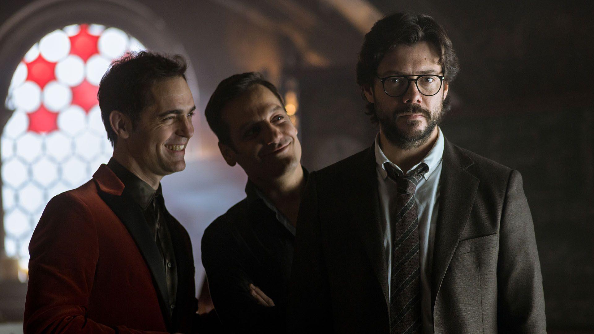 "Pedro Alonso, Rodrigo de la Serna y Álvaro Morte, en la tercera temporada de ""La Casa de Papel"" (Netflix)"
