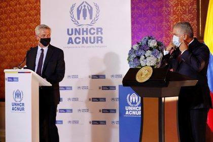 El presidente de Colombia, Iván Duque (d), hablando el lunes junto al Alto Comisionado de las Naciones Unidas para los Refugiados, Filippo Grandi, en Bogotá. EFE/ Mauricio Dueñas Castañeda