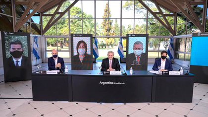 La conferencia de Alberto Fernández, junto a Horacio Rodríguez Larreta y Axel Kiciloff en la Quinta de Olivos (Presidencia)