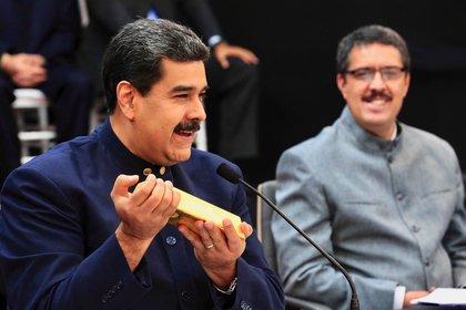 El régimen chavista utiliza el oro venezolano para hacer frente a las dificultades económicas que atraviesa