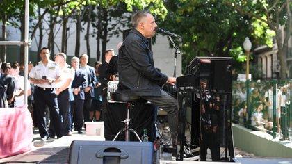 Alejandro Lerner en el acto aniversario por el atentado a la embajada de Israel (Maximiliano Luna)