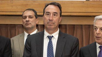 El juez Mariano Llorens (Adrián Escandar)