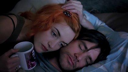 """Jim Carrey con Kate Winslet, en """"Eterno resplandor de una mente sin recuerdos"""""""