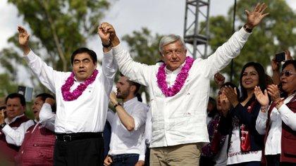 El gobernador de Puebla parece anacrónico en comparación con el resto de Morena (Foto: Cuartoscuro)