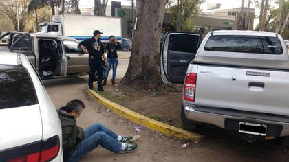 """""""Delfin"""" Castedo, al momento de su detención: enviaba paquetes con el logo de su apodo (Télam)"""