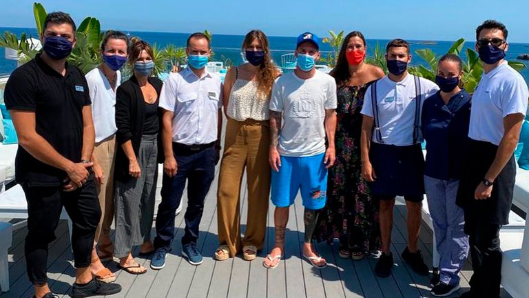 Lionel Messi y Luis Suárez vacacionaron en Ibiza con su familia.
