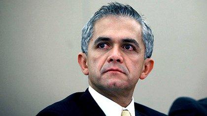 En el período siguiente, se refirió a la decadencia de Miguel Ángel Mansera.