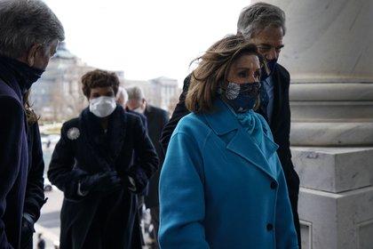 20 janvier 2021 - Washington, DC, États-Unis: Nancy Pelosi, présidente de la Chambre des communes, de Californie.  et Sen.  Roy Blunt, R-Mo., Départ après l'investiture du président Joe Biden le 20 janvier 2021 à Washington, DC.  (Melina Mara - Piscine / CNP / Polaris)