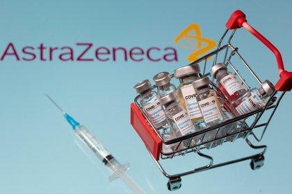 Oxford y AstraZeneca anunciaron que su vacuna contra el coronavirus tiene una eficacia de hasta 90% y es fácil de transportar (Reuters)