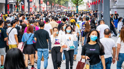 El país asiático fue el primero en aplicar confinamientos y los siguió  utilizándolos en las zonas en las que el COVID-19 ha resurgido