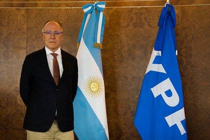 """El presidente de YPF, Guillermo Nielsen, dijo que el aumento del precio de los combustibles es un tema """"sensible""""."""