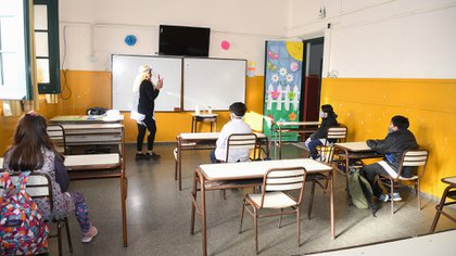 """""""La escuela es un lugar seguro y trabajar con niñas y niños no es un factor de riesgo"""", aseguraron la SAP y Unicef en un comunicado (NA)"""