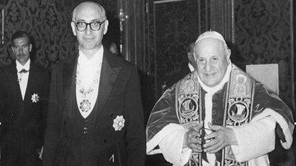 La entrevista de Frondizi con Juan XXIII, quien convocó el Concilio Vaticano II