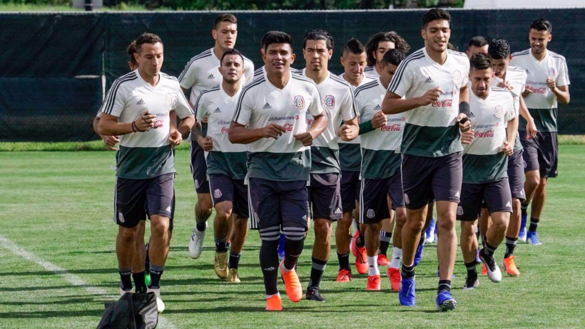 La crítica hacia los futbolistas de la selección mexicana por realizar este tipo de reuniones antes o después de partido ha sido una constante en los últimos años. (Foto: Twitter @miseleccionmx)