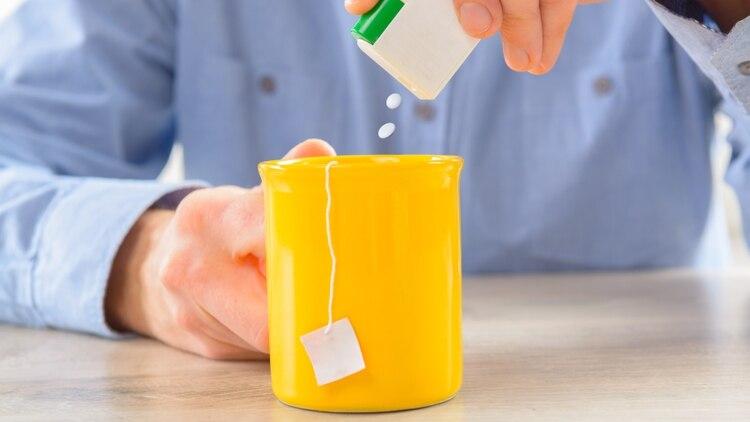 Los edulcorantes son aditivos alimentarios que le proveen sabor dulce a los alimentos (Shutterstock)