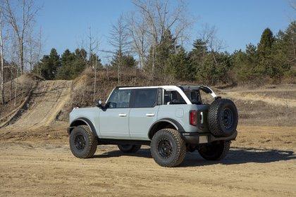 Chasis duro, sistemas de tracción ideales para el 4x4, neumáticos especiales: la estirpe del Bronco.