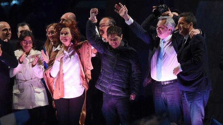 Kicillof formó parte del cierre de campaña de Alberto y Cristina en Rosario (Télam)