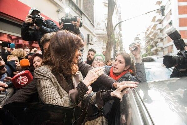 Cristina Kirchner se presentó esta mañana en Tribunales (Guille Llamos)
