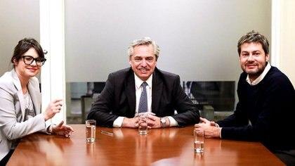 Gisela Marziotta, Alebrto Fernández y Matías Lammens