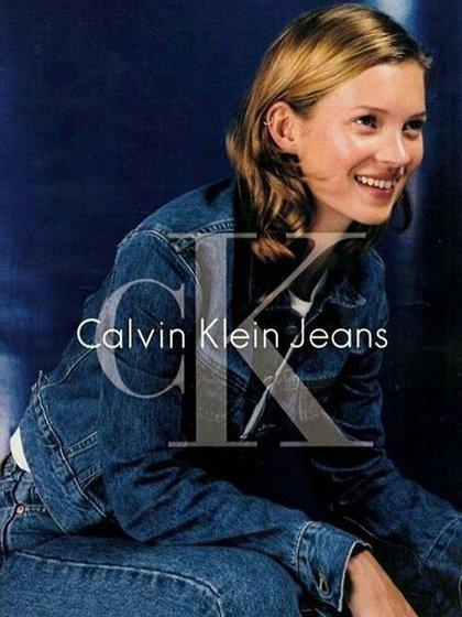 Kate Moss, icono de la moda de 1990, en su campaña para CK unisex