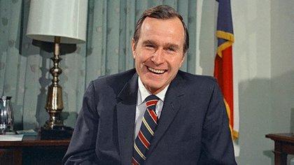 Extender George HW Bush, Padre di George W. Bush, che è stato presidente tra il 2001 e il 2009