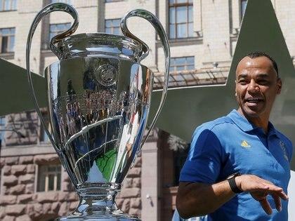 Cafú fue campeón del mundo dos veces, además de ganar la UEFA Champions League y el Mundial de Clubes con el AC Milan(REUTERS/Valentyn Ogirenko)