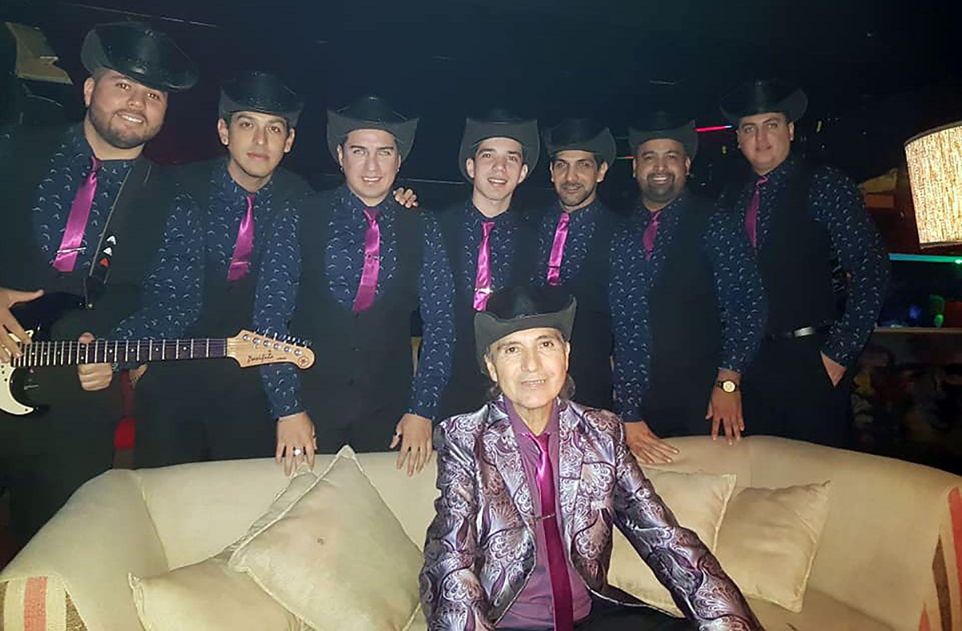 Carlitos de Los Forasteros