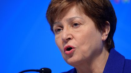 FILE PHOTO: International Monetary Fund (IMF) Managing Director Kristalina Georgieva makes remarks during a closing news conference for the International Monetary Finance Committee (IMFC), during the IMF and World Bank's 2019 Annual Meetings of finance ministers and bank governors, in Washington, U.S., October 19, 2019.   REUTERS/Mike Theiler/File Photo