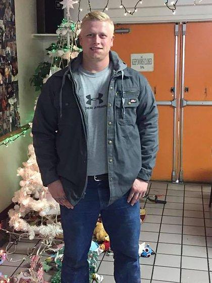 Cody Bishop, de 26 años, fue un atleta durante sus años de secundaria (Facebook de Jennifer Salfen-Tracy)