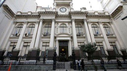 El Relevamiento de Expectativas de Mercado (REM) del Banco Central espera un 50% de inflación anual, contra el 29% que espera el Gobierno en el Presupuesto. (Foto: REUTERS/Agustín Marcarián)
