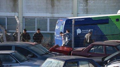 Esta tarde, los rugbiers fueron trasladados hasta Villa Gesell para declarar (Diego Medina)