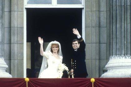 Andrés y Sarah Ferguson se casaron el 23 de julio de 1986 (Shutterstock)
