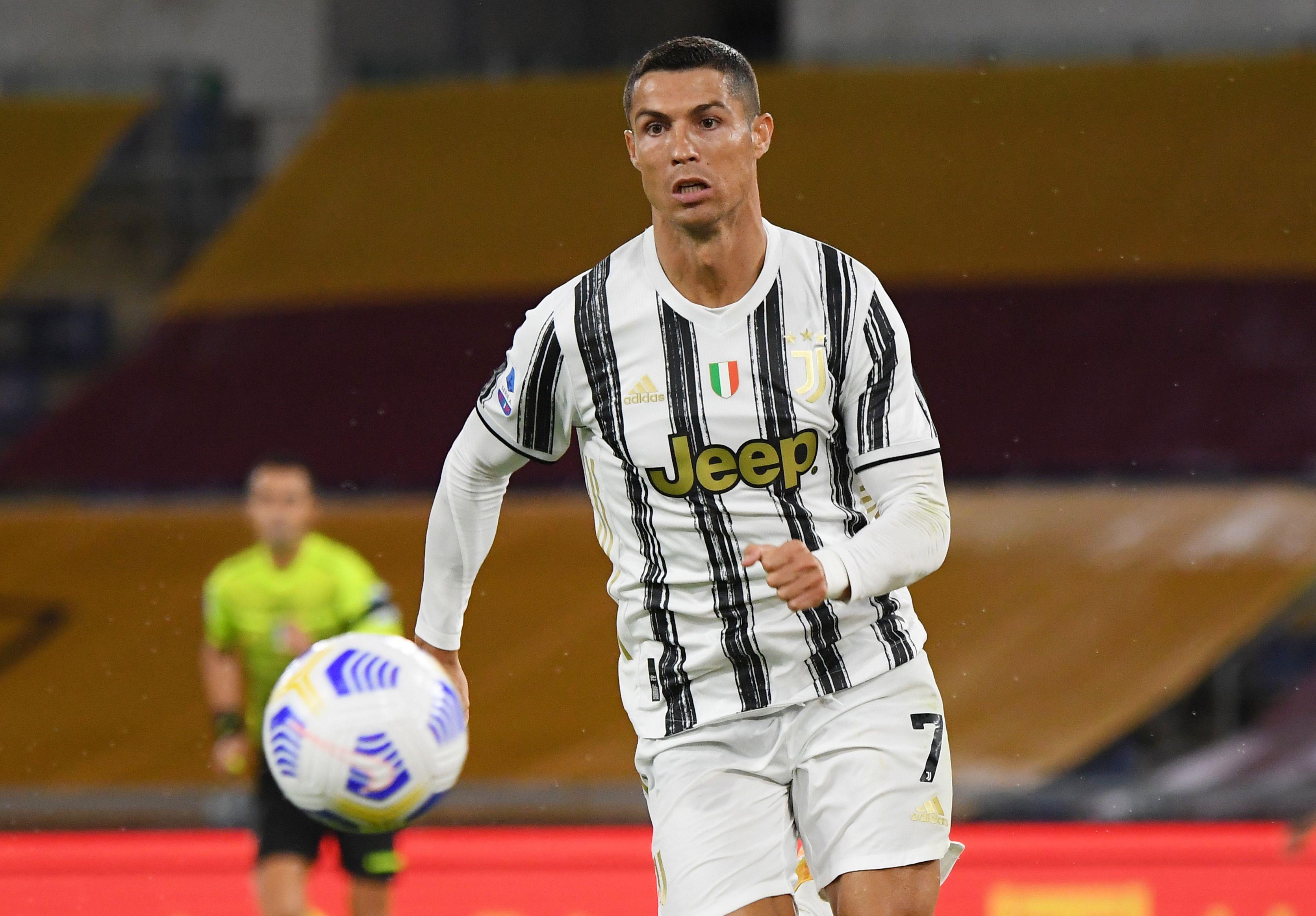CR7 convirtió el 1-1 de penal a favor de la Vecchia Signora REUTERS/Alberto Lingria