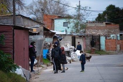 Villa Azul es un asentamiento ubicado entre Quilmes y Avellaneda