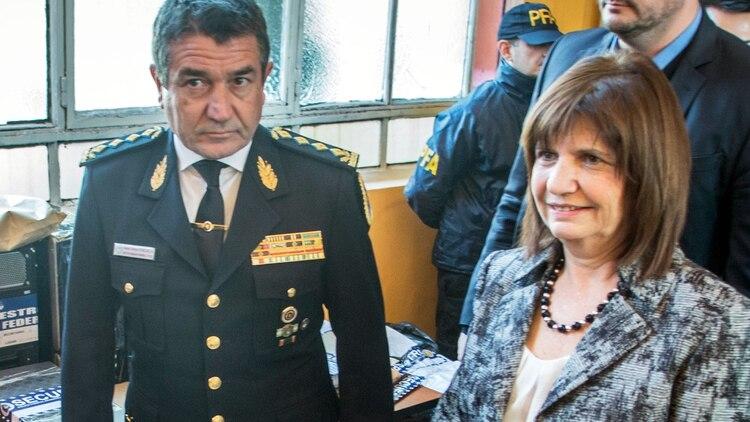 Bullrich y Roncaglia: el hackeo expuso información y fotos del jefe (NA)