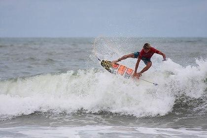 Surfing en San Juan del Sur (Foto: INTUR)