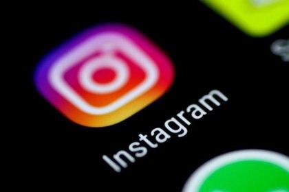 Imagen de archivo del logo de la aplicación de Instagram en la pantalla de un móvil (REUTERS/Thomas White)