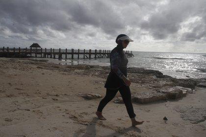 Las actividades en la zona norte de Quintana Roo fueron suspendidas  (AP Photo/Tomas Stargardter)