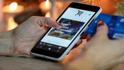 Las transacciones en línea en comparación con las ventas en físico incrementaron 5.8 veces en mayo (Foto: Piaxabay)