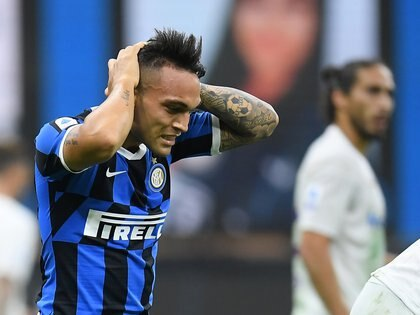 Soccer Football - Serie A - Inter Milan v Fiorentina - San Siro, Milan, Italy - July 22, 2020 Inter Milan's Lautaro Martinez reacts during the match, as play resumes behind closed doors following the outbreak of the coronavirus disease (COVID-19) REUTERS/Daniele Mascolo