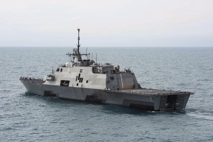 El USS Detroit, un buque de combate literal que la Marina de Estados Unidos ya ha desplegado frente a las costas venezolanas
