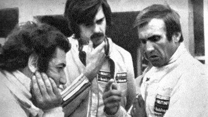Reunión en Brabham: de izquierda a derecha, José Carlos Pace, Gordon Murray y Carlos Reutemann (Archivo CORSA).