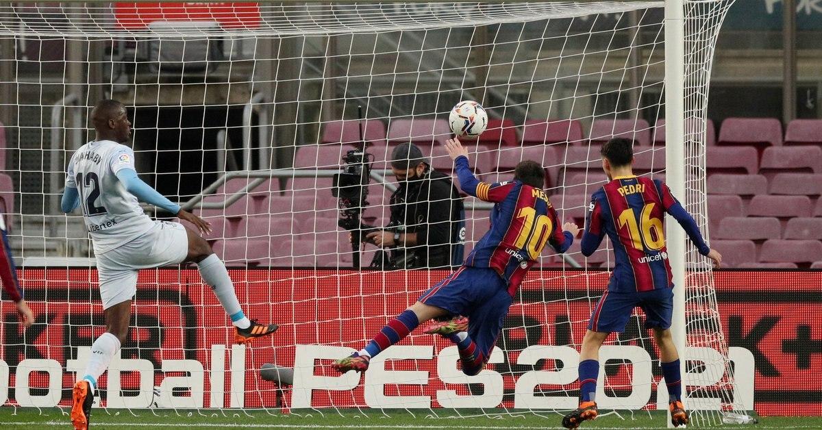 Pese al gol de Lionel Messi que igualó el récord histórico de Pelé, el Barça empata con Valencia en el Camp Nou - Infobae