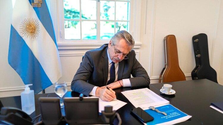 Durante el encuentro, ambos mandatarios abordaron temas de interés común tanto de la agenda bilateral como del actual escenario internacional.