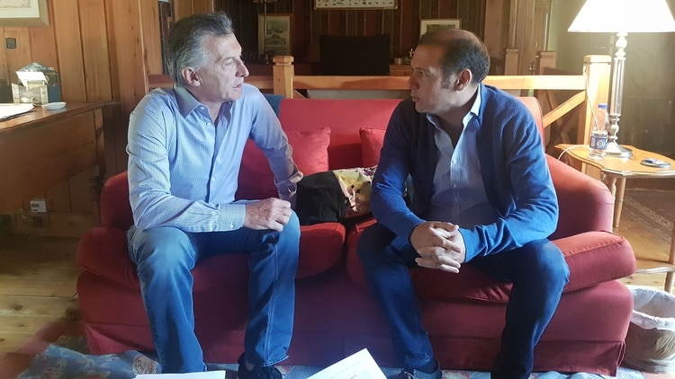 Mauricio Macri y Omar Gutiérrez, en la reunión que mantuvieron el lunes (Presidencia)