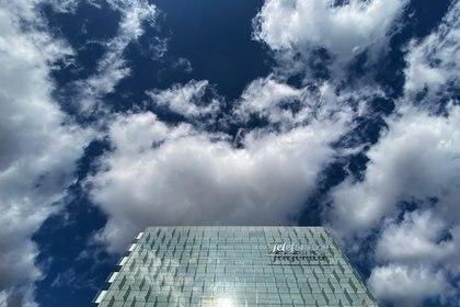 Telefónica vende las torres de Telxius a American Tower por 7.700 millones y reducirá deuda en 4.600 millones. ECONOMIA  Eduardo Parra - Europa Press