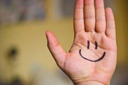 Una sonrisa al despertar ayuda a encarar el día mejor (iStock)