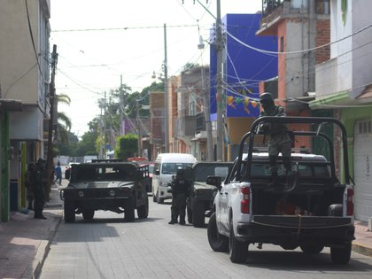 Miembros de la Guardia Nacional patrullan las calles de la ciudad de Celaya, en el estado de Guanajuato (México). EFE/Str