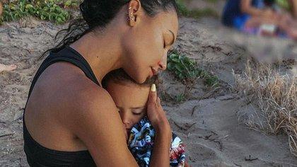 Naya Rivera junto a su hijo.
