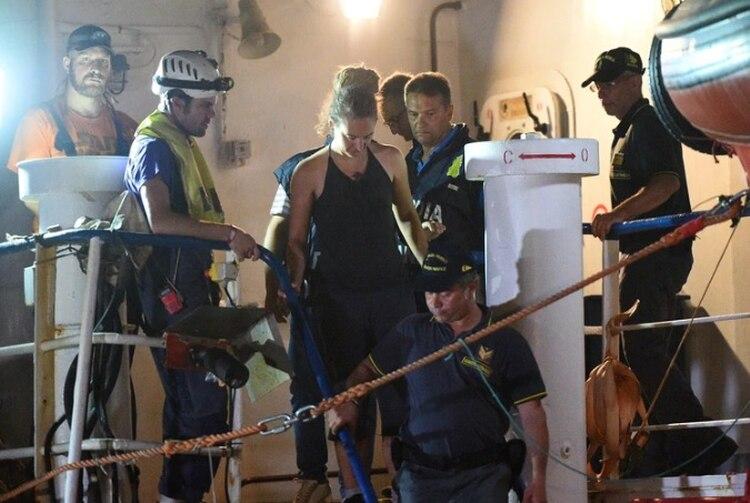 Carola Rackete, luego de desembarcar en Lampedusa. (REUTERS/Guglielmo Mangiapane)